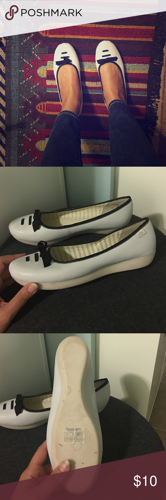 Lacoste flat Really cute minimalist now flat by Lacoste. Never worn. Lacoste Shoes Flats & Loafers