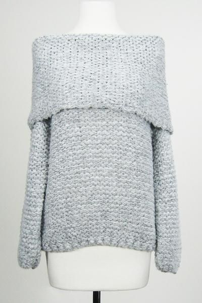 """Thick and cute grey off the shoulder sweater Perfect for the fall transition  chest across: range from 21"""" to 23"""" Length: range from 24"""" to 26"""""""