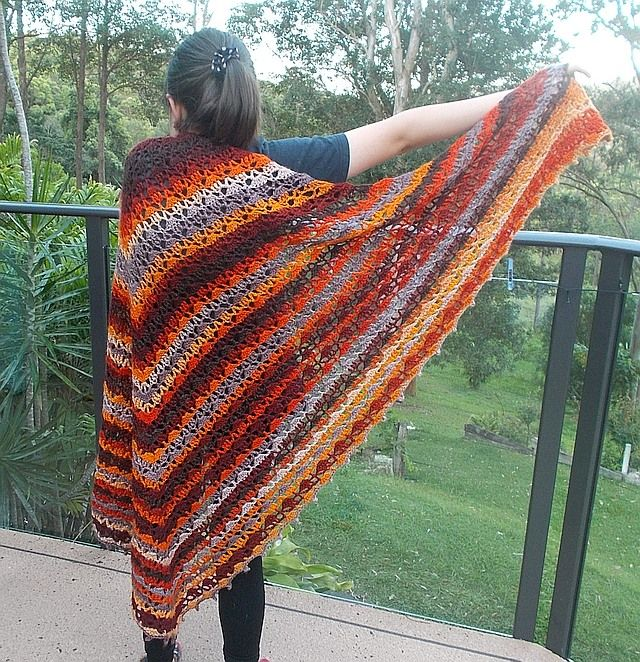 "♨"" BÉIBHINN "" sh072wb ♨  ♨SLEEVELESS SHAWL / WRAP / SHRUG ♨Made using ICE ""Primadonna"" Orange, Grey, Gold, Brown yarn  Weight approx 400g  50% Wool, 50% Acrylic, Size : Medium -> Large.  Will fit most sizes.. This item is triangular. Approx 230cm across (The 'wing span' or long edge) Approx 170cm on the two short sides Approx 115cm drop from shoulder to bottom"