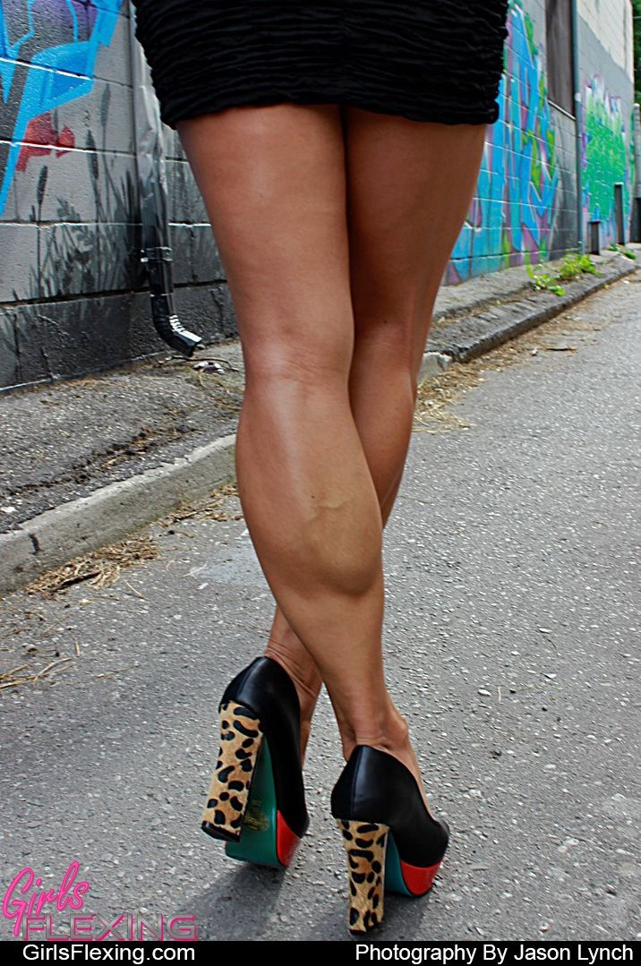 WOMEN's muscular ATHLETIC LEGS especially CALVES - daily update!