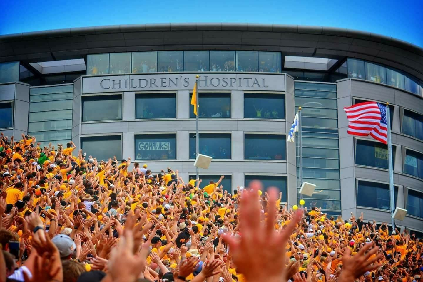 Iowa Hawkeyes Football Fans Are Fantastic End Of 1st Quarter