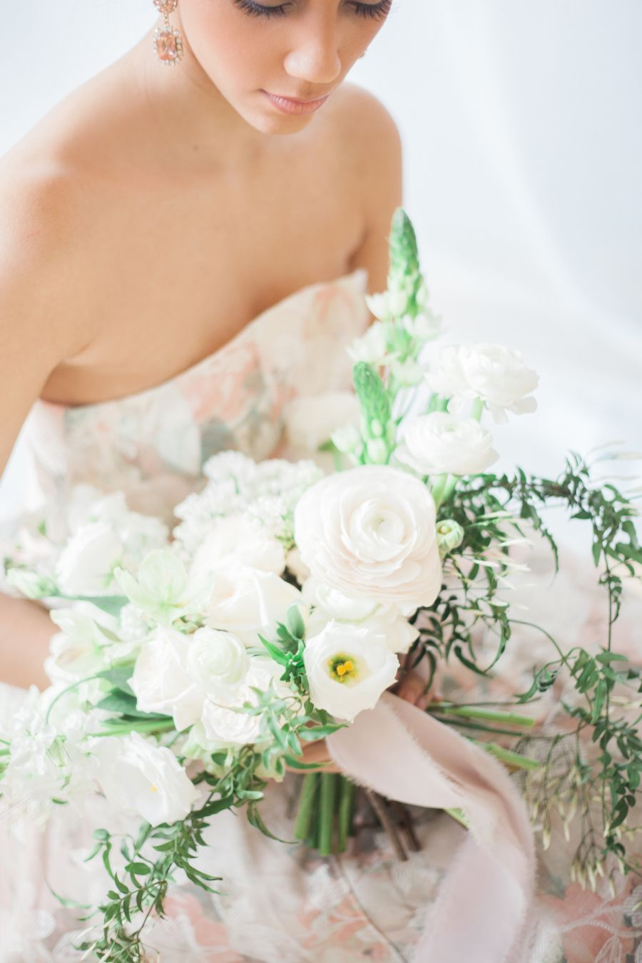 This gorgeous inspiration shoot will have you dreaming of a jasmine planning a spring soiree filled to the brim with fresh jasmine flowers well this izmirmasajfo