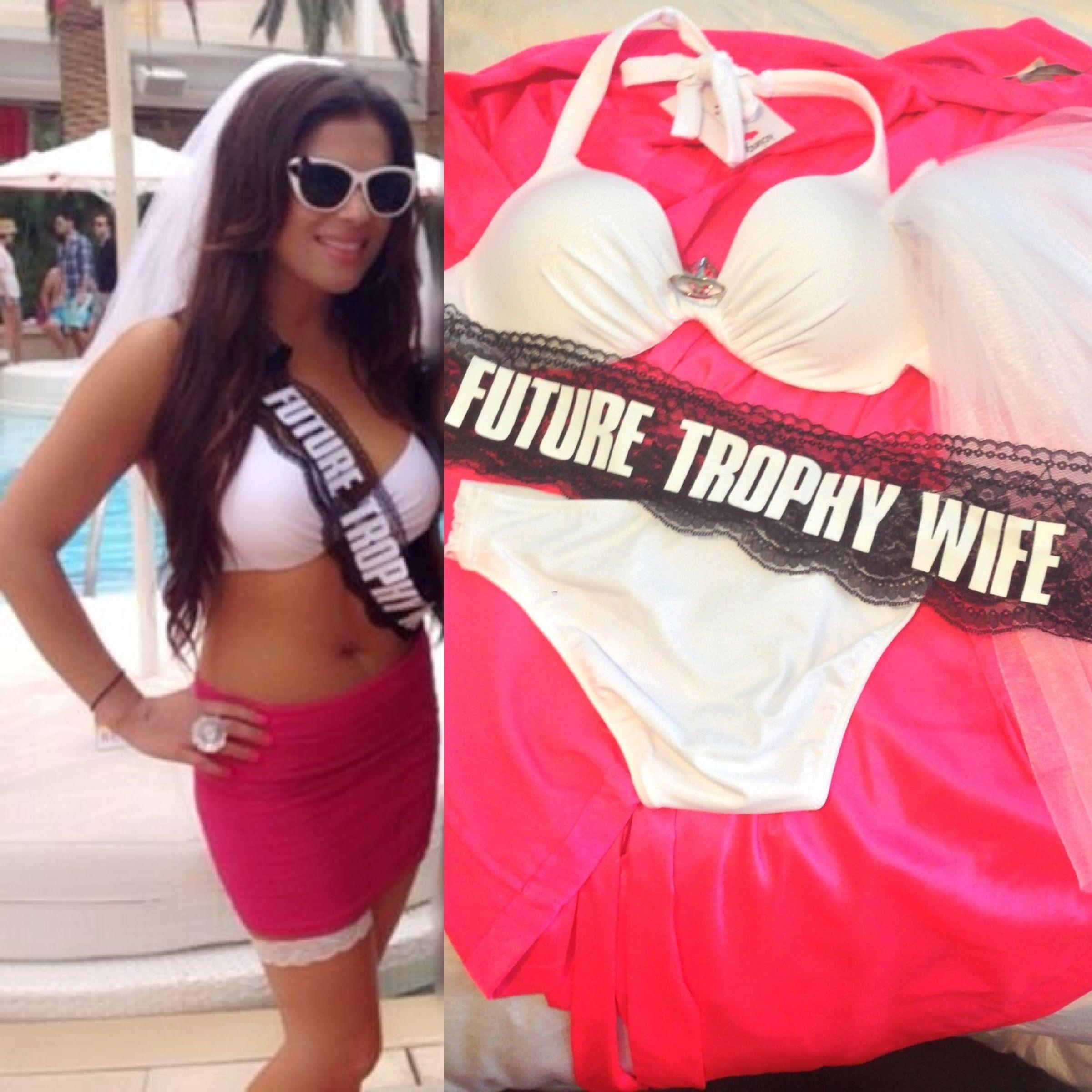 Bruid Bikini Voor Een Vrijgezellenu2026 | Outfit   Haar Vrijgezellenfeest By  Vrijgezellenfeest.direct | Pinterest   Bruid Bikini, Op Het Strand En Het  Strand