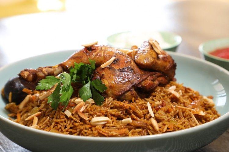 حلويات مقرمشة مقلية ومعسلة بمكونات بسيطة جدا شهية ولا اروع Youtube Food Food And Drink Arabic Food