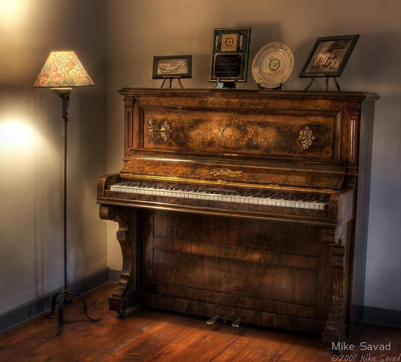 этой картинки старого пианино колоды таро, где