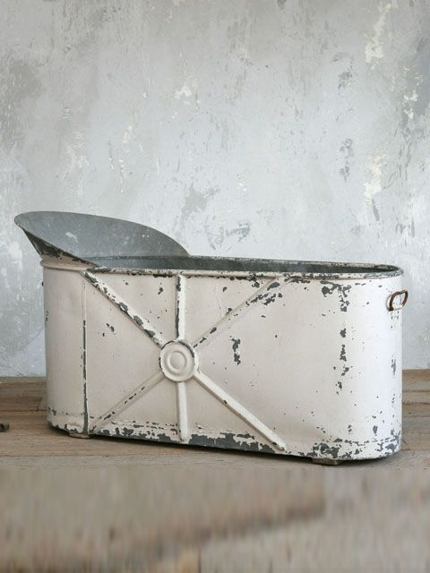 vintage zinc bathtub i would love to have this outdoors