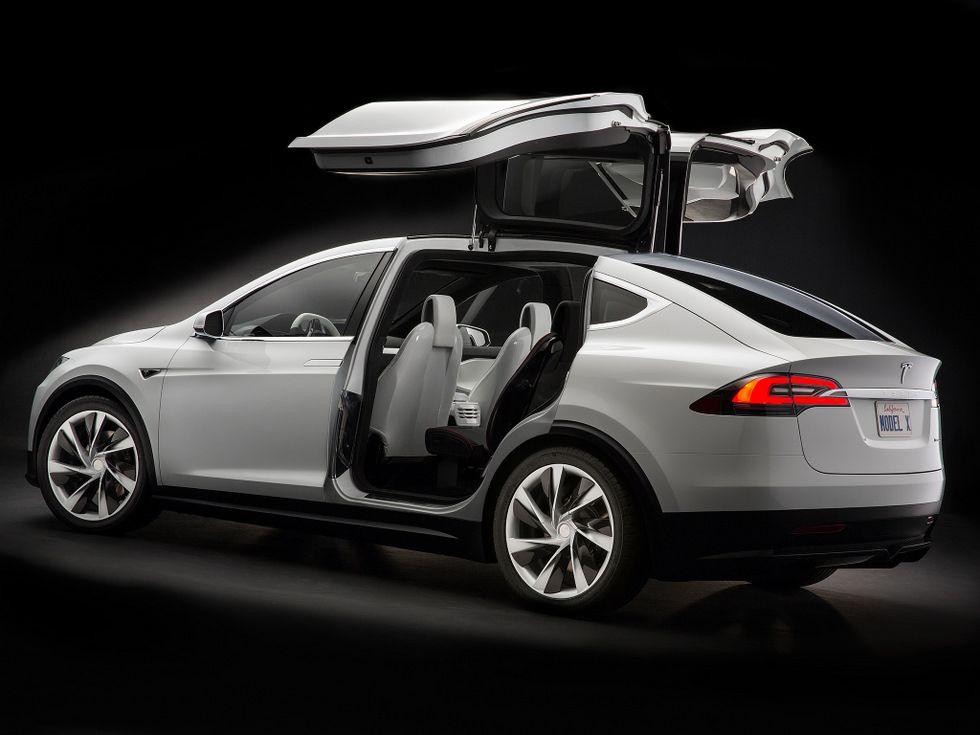 Top 10 Carros Com Tecnologia Verde Em 2015 テスラ