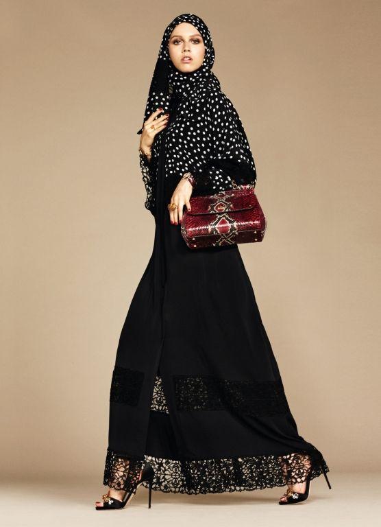 234d4ff75b Así podríamos resumir a la nueva colección de Dolce & Gabbana en la que se  presentan diseños de abayas y hijabs para las mujeres musulmanas.