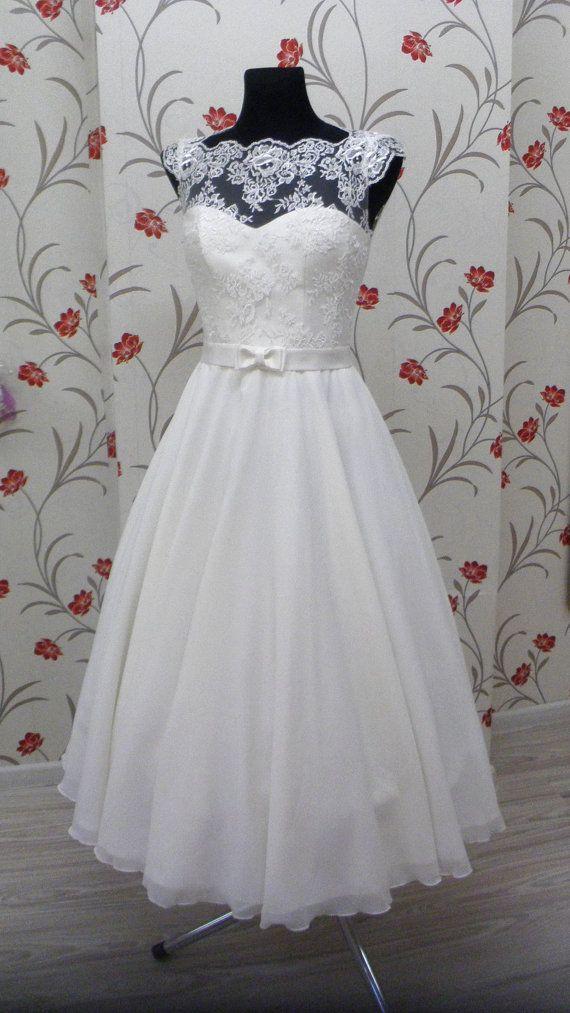 Vintage inspirierte Brautkleid mit Spitzen Korsett, Illusion Lace ...