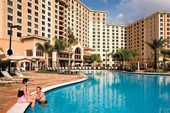 Rosen Shingle Creek Hotel Orlando Swimming Pool On A Nice Day