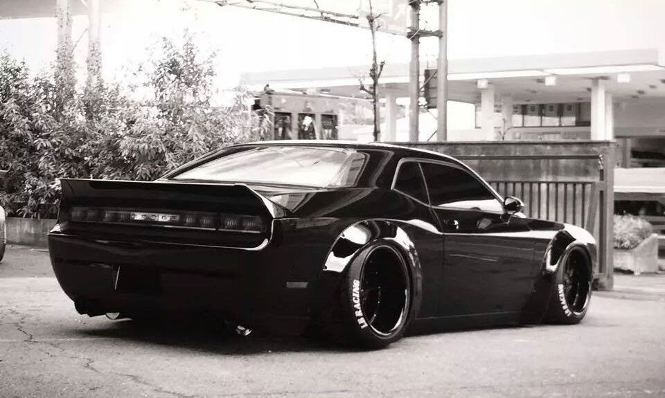 Liberty Walk Debuts Challenger At Tokyo Auto Salon In 2020 Dodge Challenger Dodge Liberty Walk