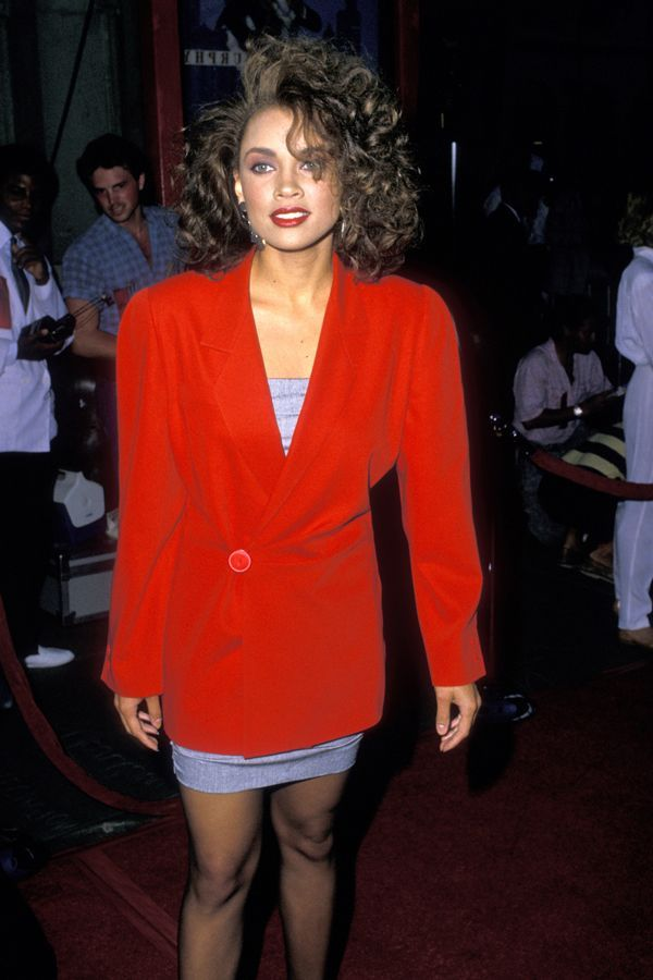 30 Times We Wished We WERE These '80s Red Carpet Photos | Red carpet