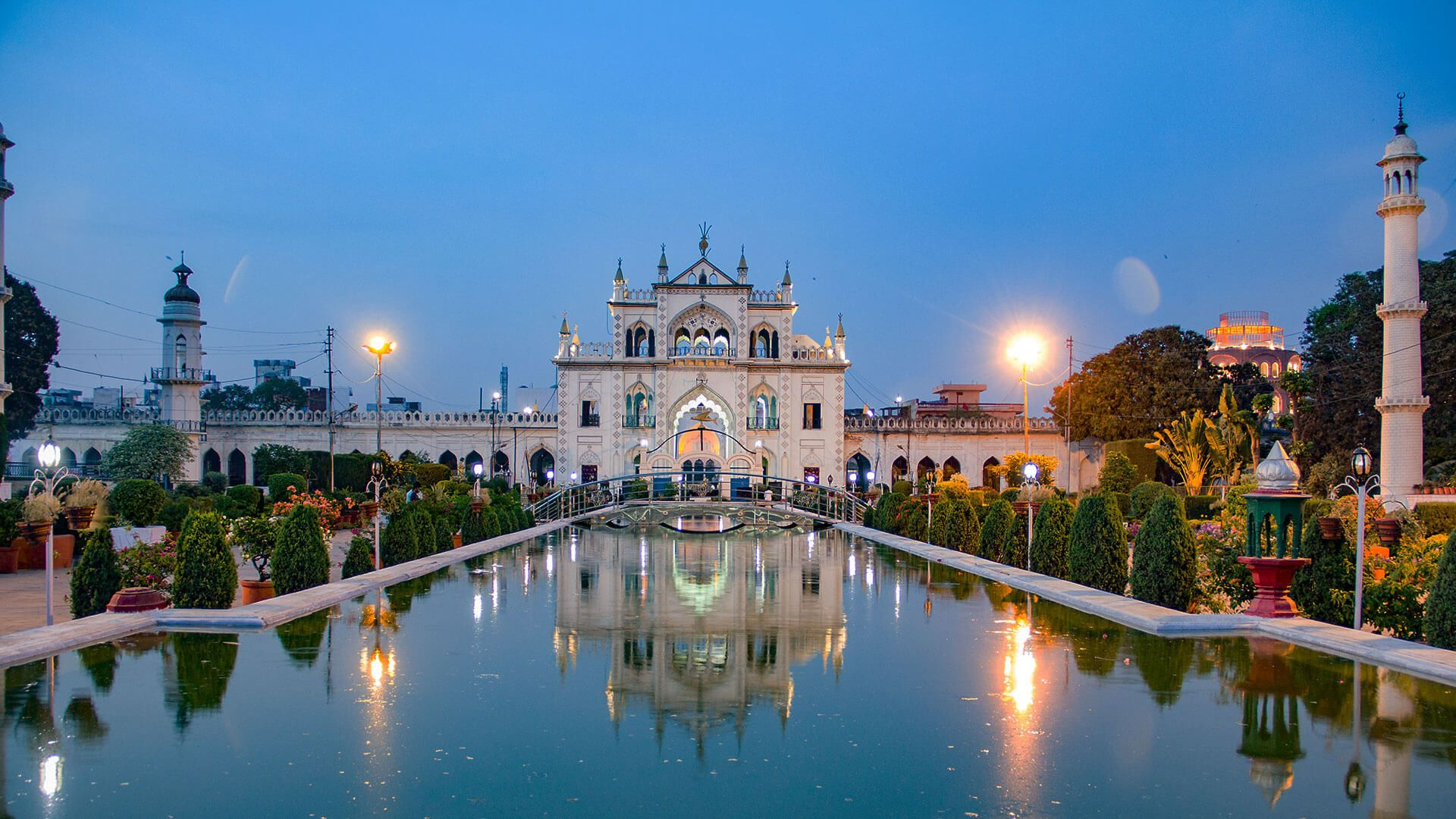 Chhota Imambara Uttar Pradesh Tourism Travel Destinations In India Perfect Vacation Spots Famous Monuments