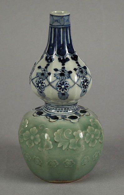 Botella en forma de calabaza con cordón joya y diseño floral moldeado | Japón | Período de Edo (1615-1868) | El met