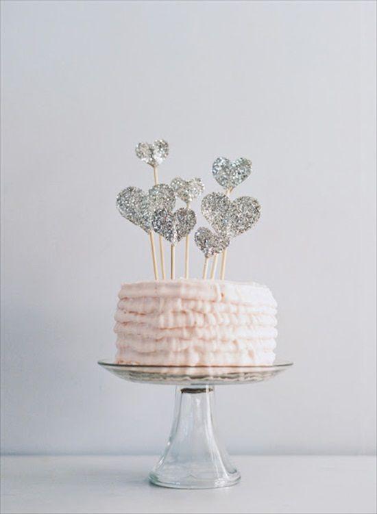 diy-glitter-heart-cake-topper.