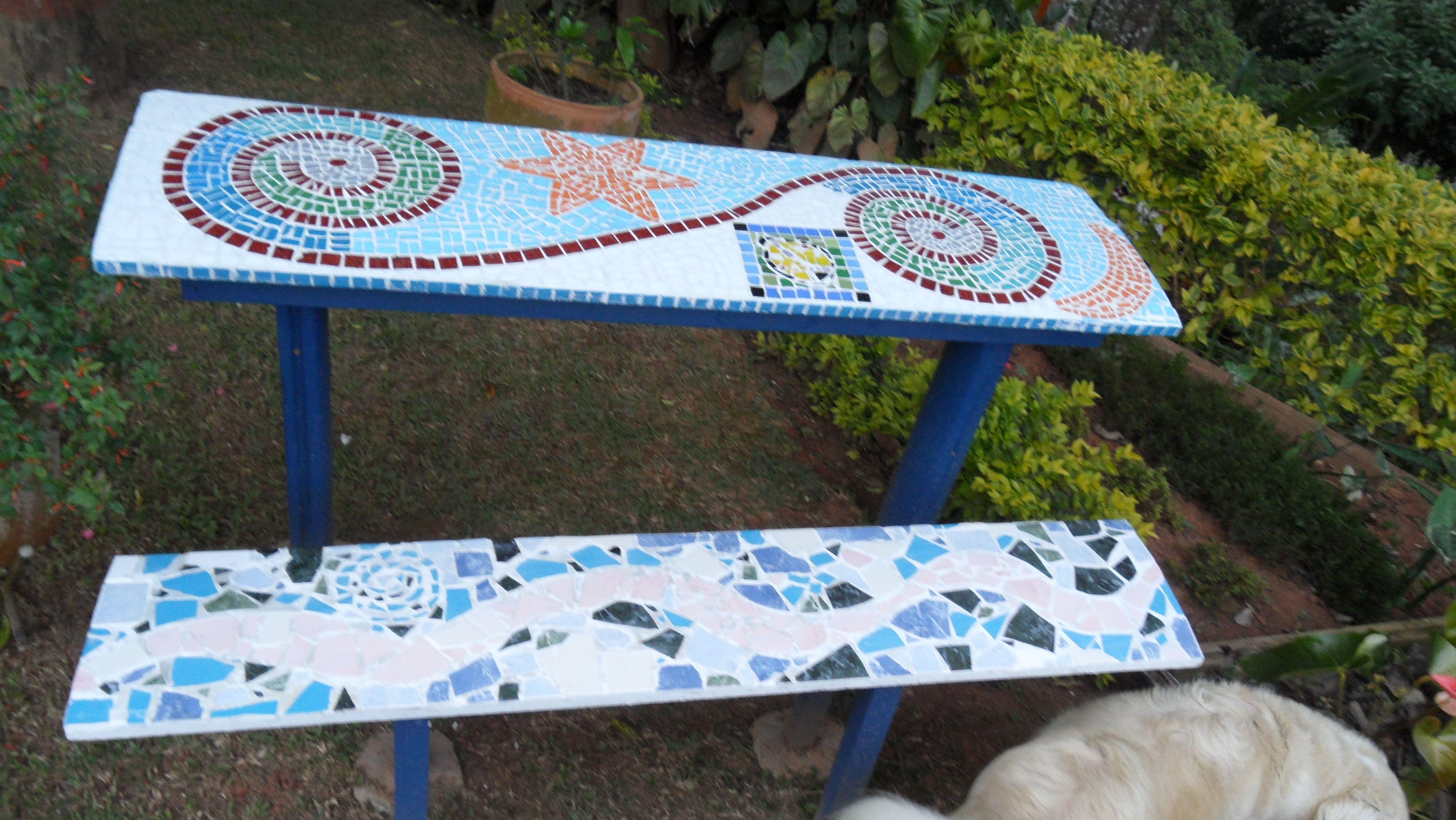 Mosaico banca y mesa de jardin mosaico trabajos que for Mesa mosaico jardin