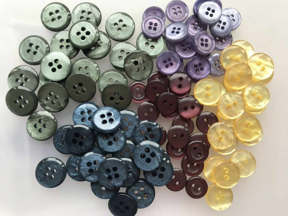 Buttons x 100 round 2 /& 4 hole mixed colours blue green purple red yellow