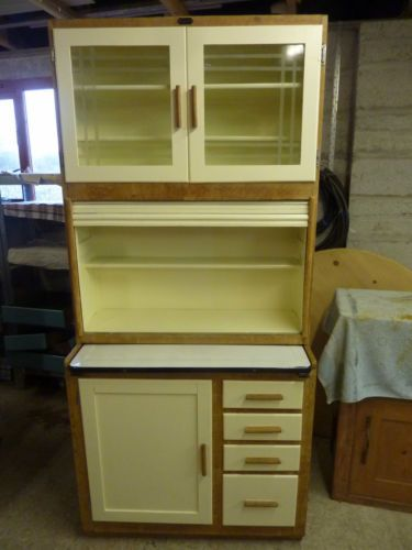 Merveilleux 1930/40S VINTAGE KITCHEN CUPBOARD,CABINET,LARDER,PANTRY.NR  REFURBED