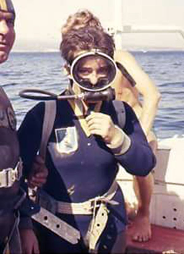 Pin by Neo on Vintage 1 t Wetsuit Scubas and Woman