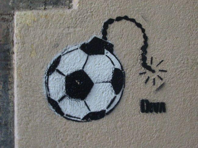 Barcelona graffiti art stencil banksy or not - Stencil barcelona ...