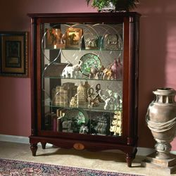 Merveilleux Cardigan Mantel Curio Cabinet   Pulaski