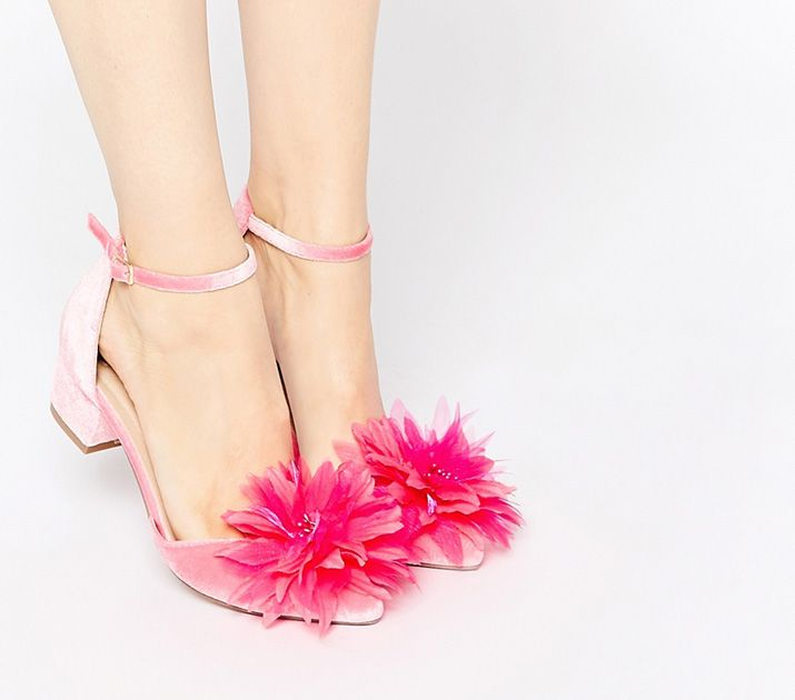 low heeled pink velvet pumps