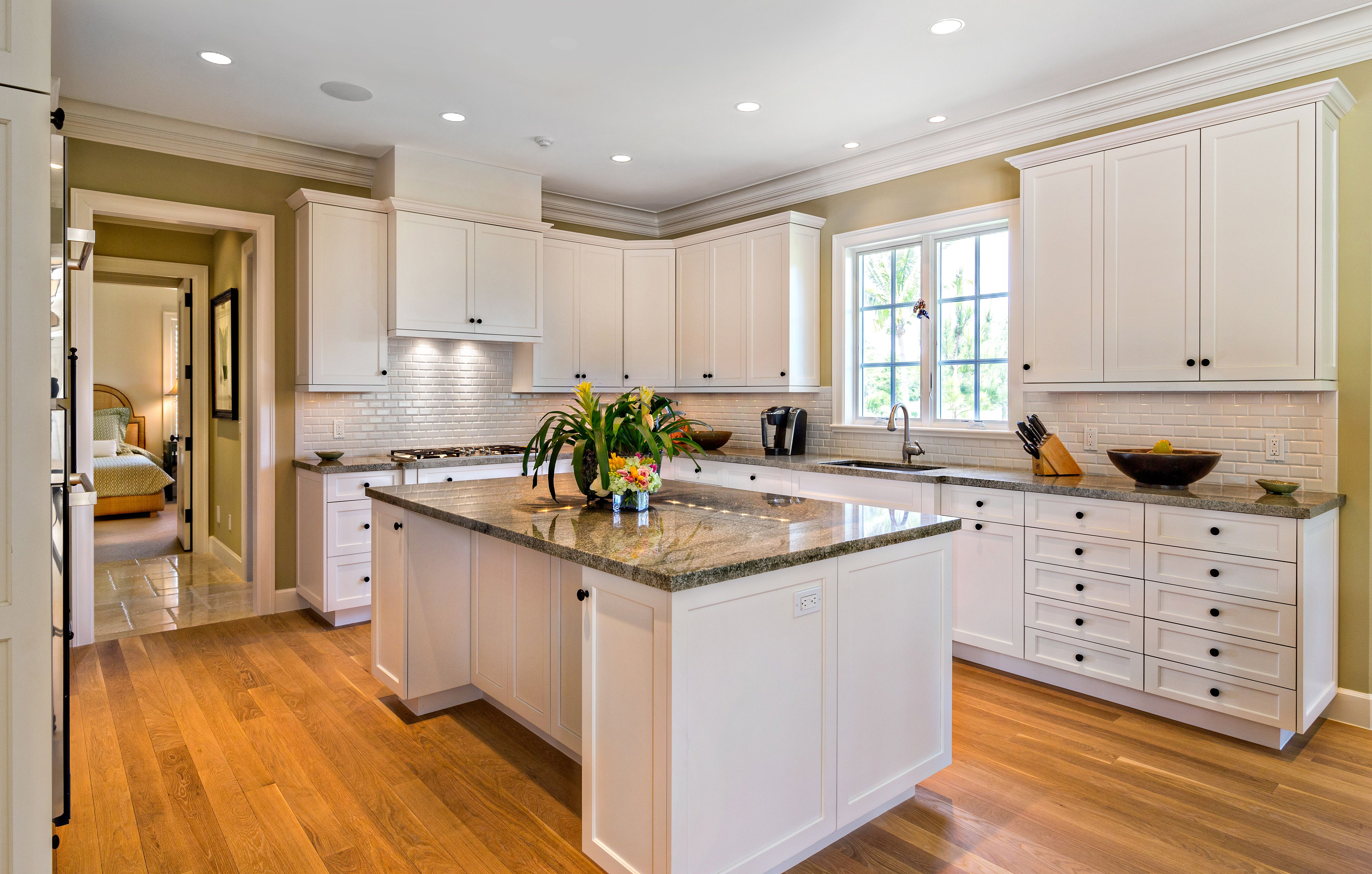Long Residence Hobe Sound, FL Smithport Cabinetry Kensington Door In Heavy Soft White