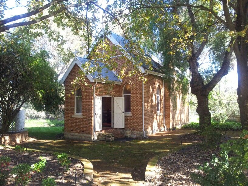 Woodloes Homestead Cannington Has An Intimate Church Ambience It Can Hold Guests A Good Choice For Small Wedding In Winter