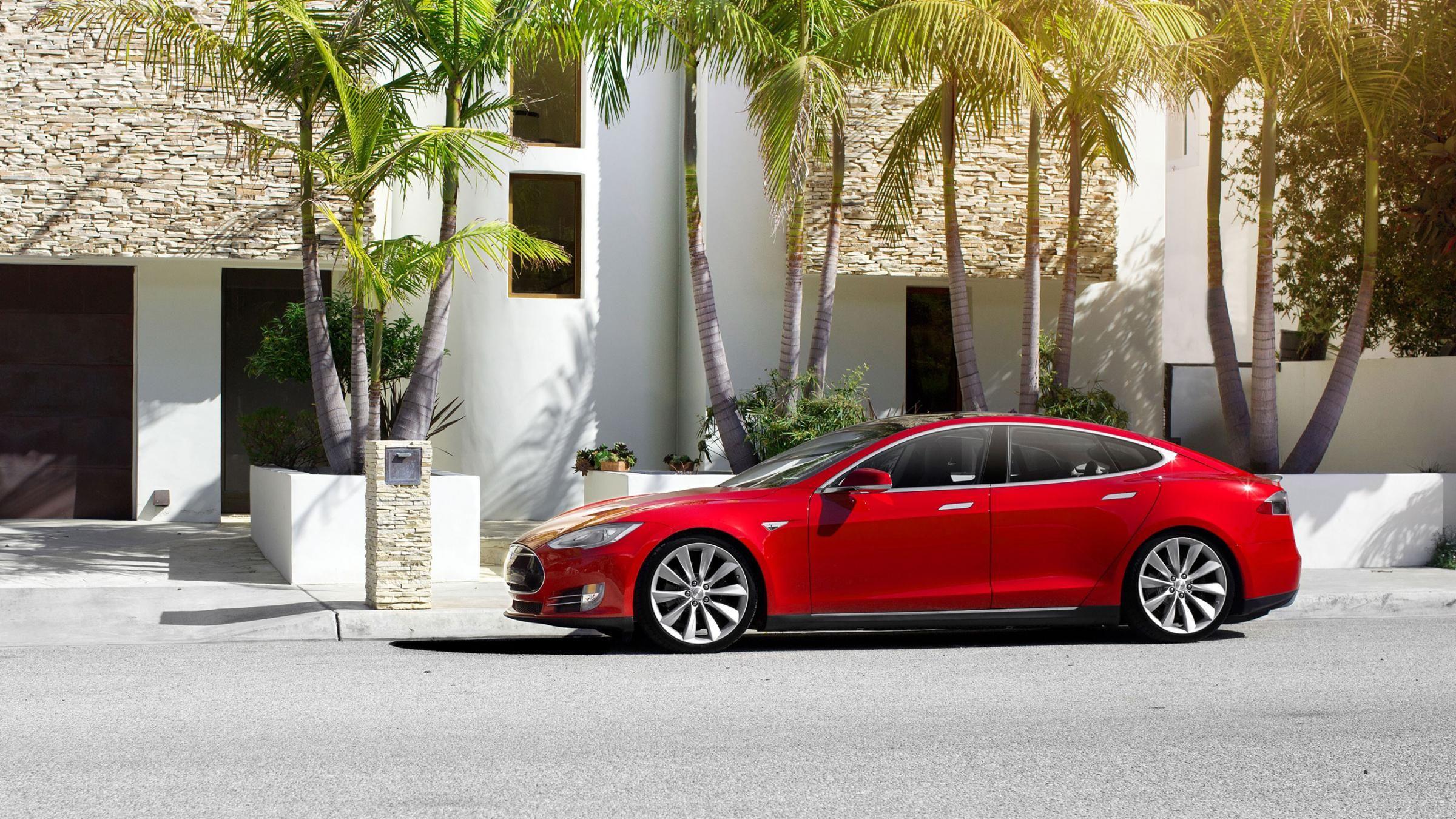 Tesla Model S Now dual motors 4WD Zero to 60mph i 3 2 seconds
