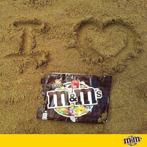 M&M's Espagna - La playa, ese sitio tan molón que tiene, arena, agua, sol... ¡Y si quieres, también M&M's!