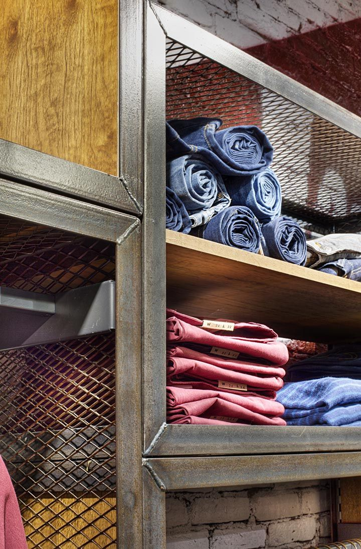 Lee Cooper store by CBTE MIMARLIK, Istanbul | Store Design ...