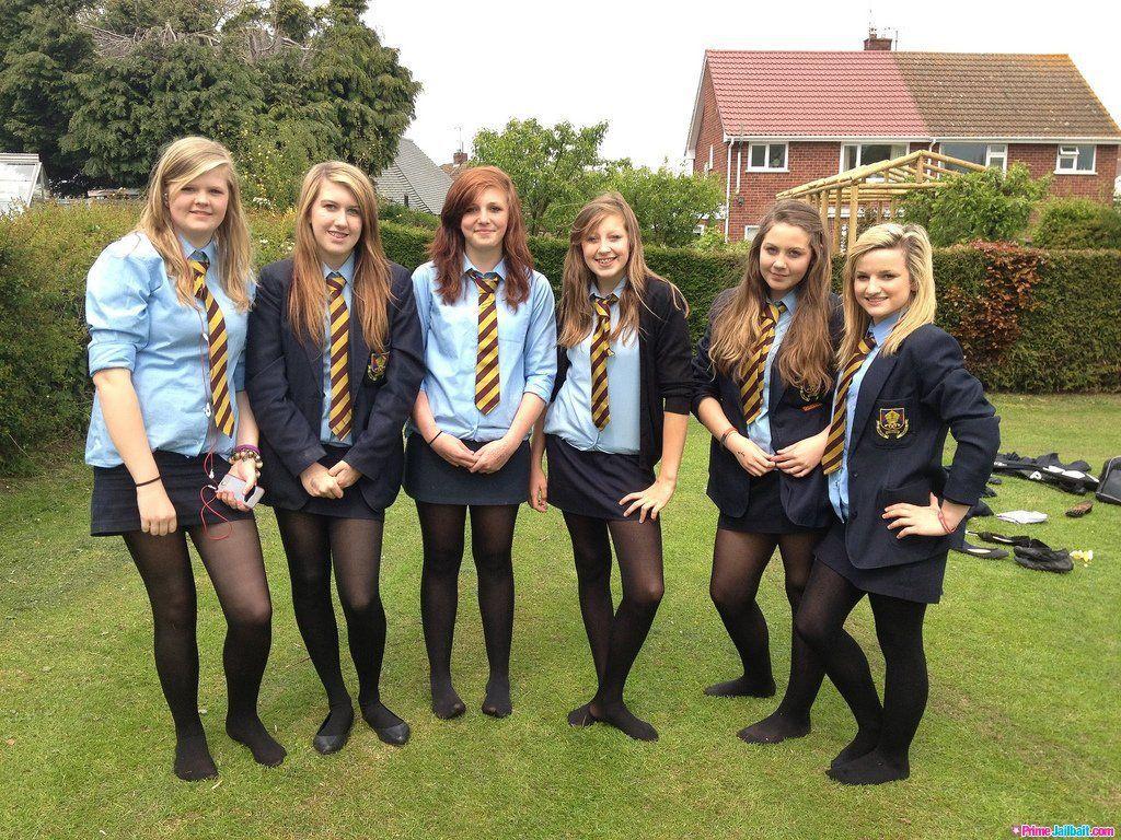 Candid Schoolgirls Upskirt-6107