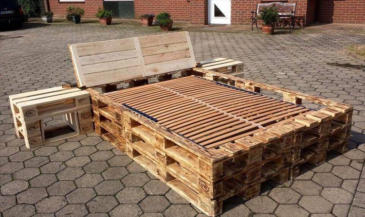 Palettenbett Bauen Oder Kaufen Praktische Und Stilvolle Ideen Fur Komfortablen Schlafbereich Holzpaletten Mobel Palettenbett Diy Palettenmobel
