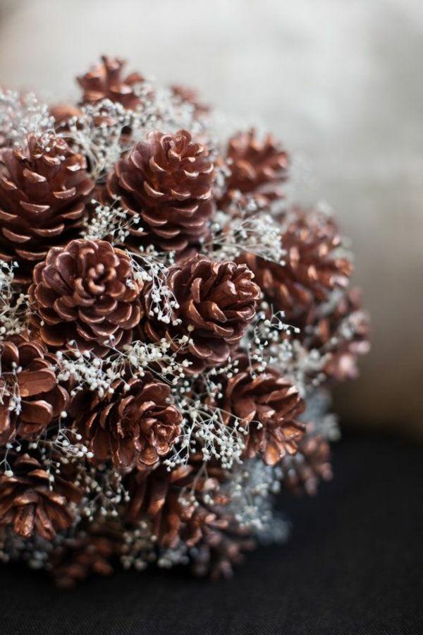 Weihnachtsdekoration elegante dekoideen mit zapfen weihnachten pinterest - Weihnachtsdekoration basteln ...