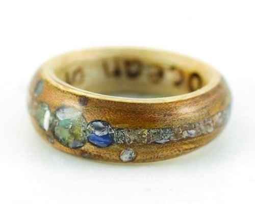 Alternative wedding rings from Eco Wood Rings Crushed stone