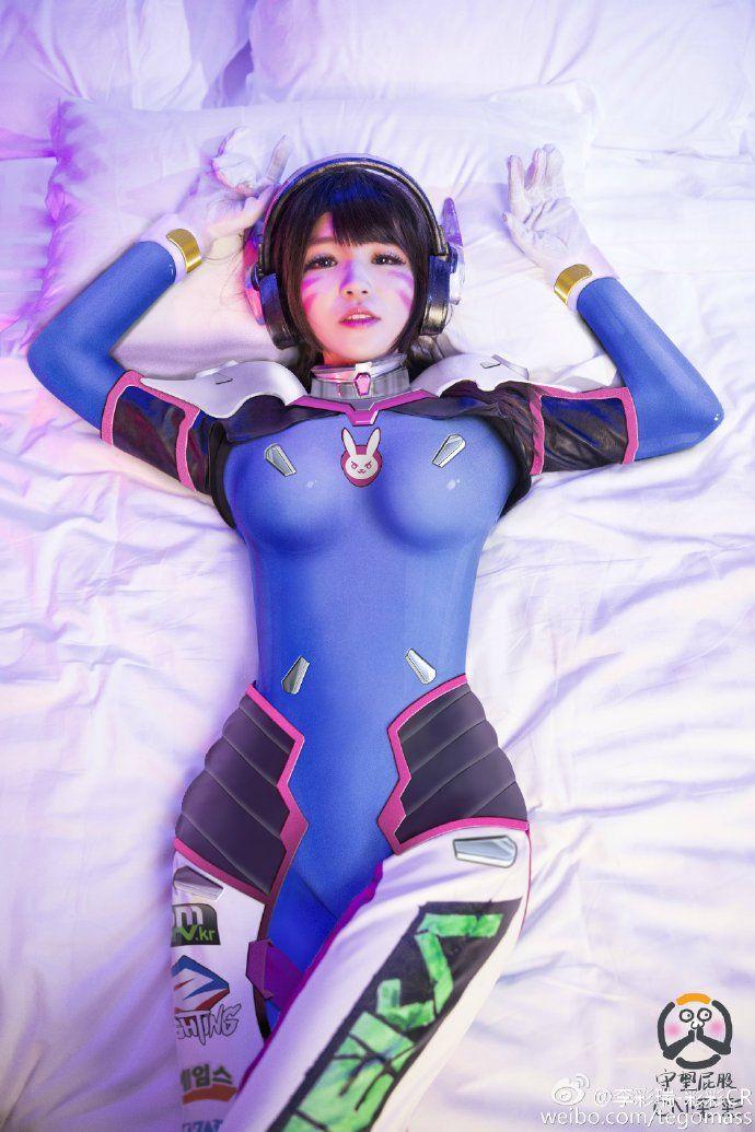 d.va cosplay hot