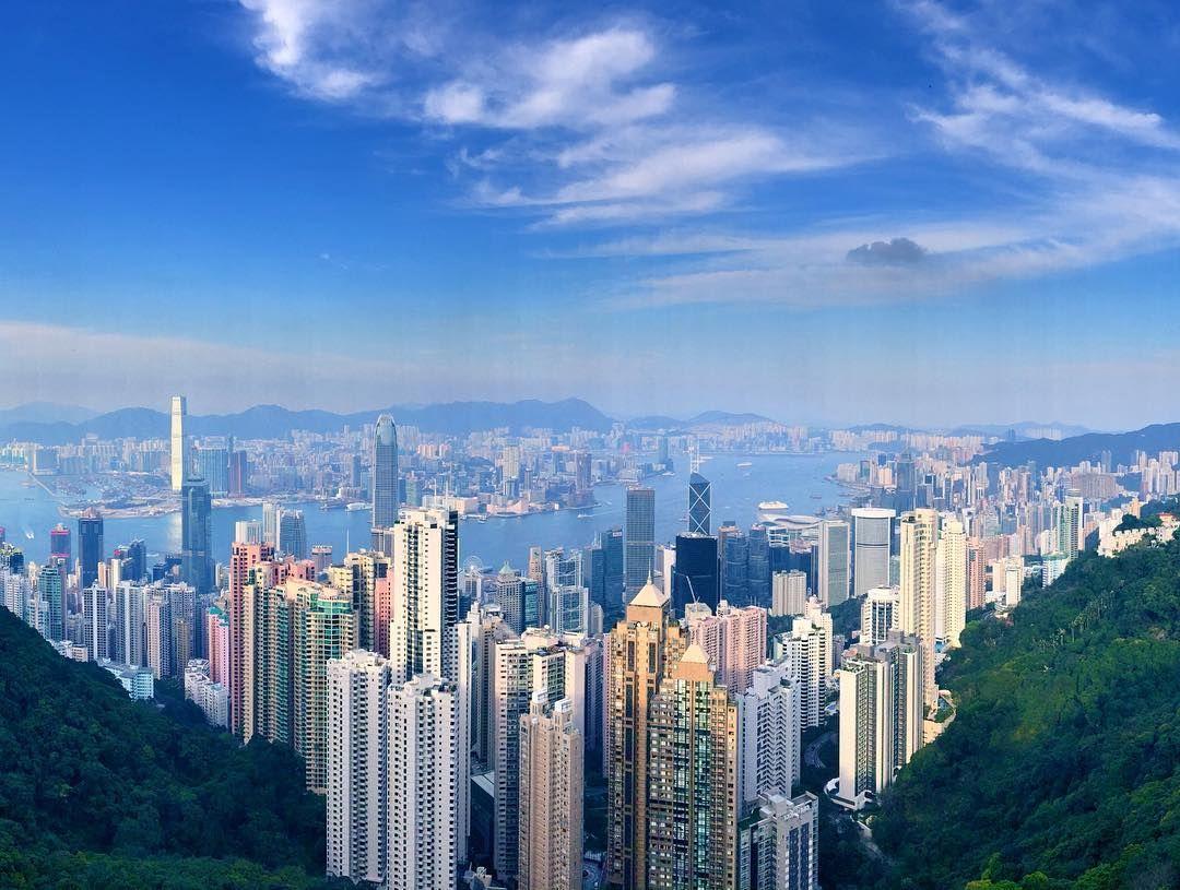 ヴィクトリアピークに來ています 景色やば絵ハガキみたい #ヴィクトリアピーク #香港 #香港島 #香港山頂 #イ ...