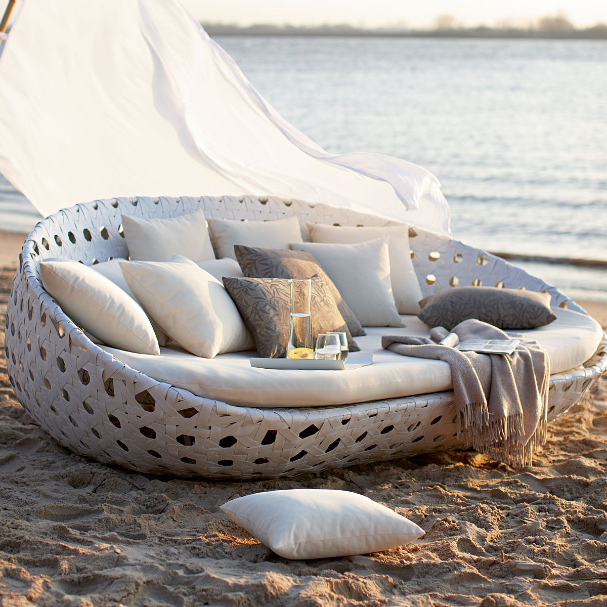 Coolest Lounger On The Block Outdoor Sofa Home Outdoor Couch