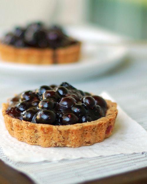 Fresh Blueberry Tarts by Pinch of Yum