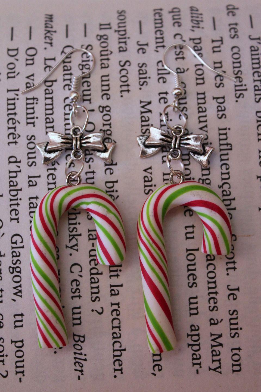 Boucles d'oreilles fantaisies gourmandes sucre d'orge aux couleurs de Noël en Fimo