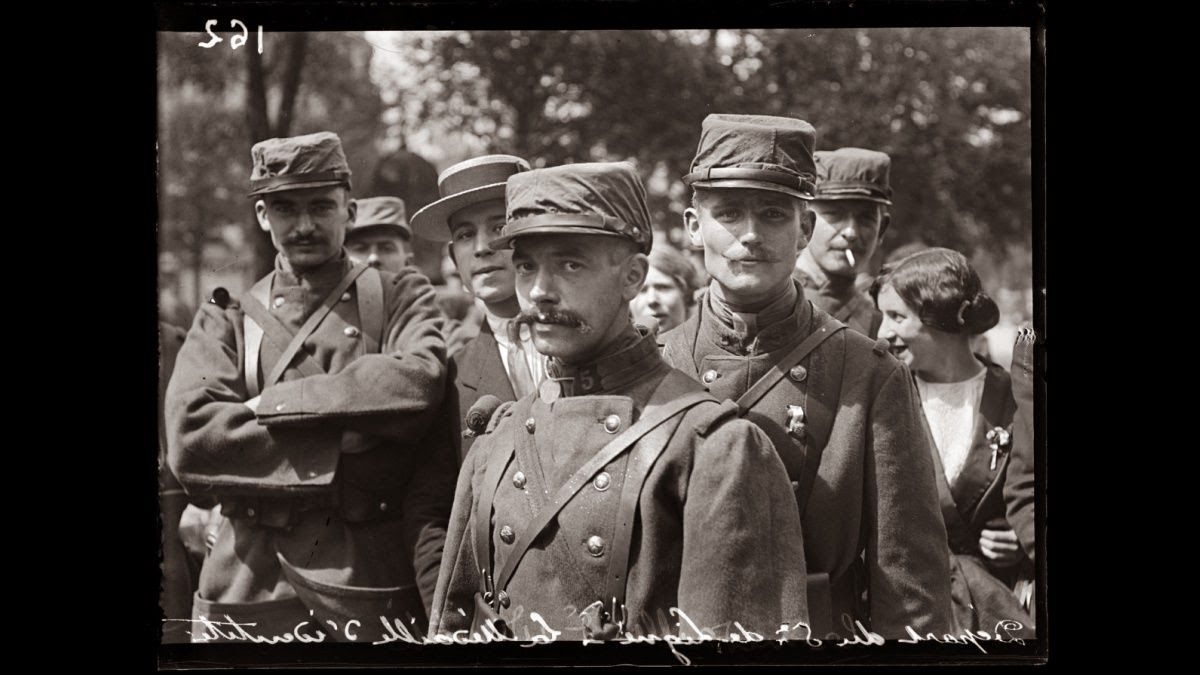 K Rae Nelson S Toast2taste La Der Des Ders The War To End All Wars 1914 History War French Army World War One