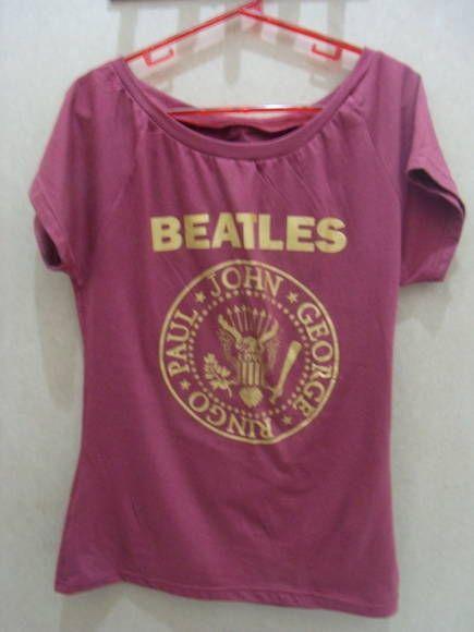 Camisetão The Beatles Logo Ramones Cor: Vinho Tamanho Único R$ 60,00  www.elo7.com.br/dixiearte