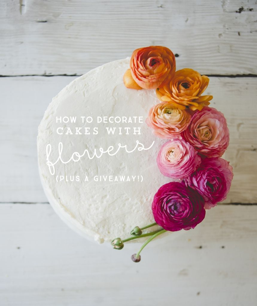Kitchy Kitchen Decor: HOW TO DECORATE A CAKE WITH FLOWERS