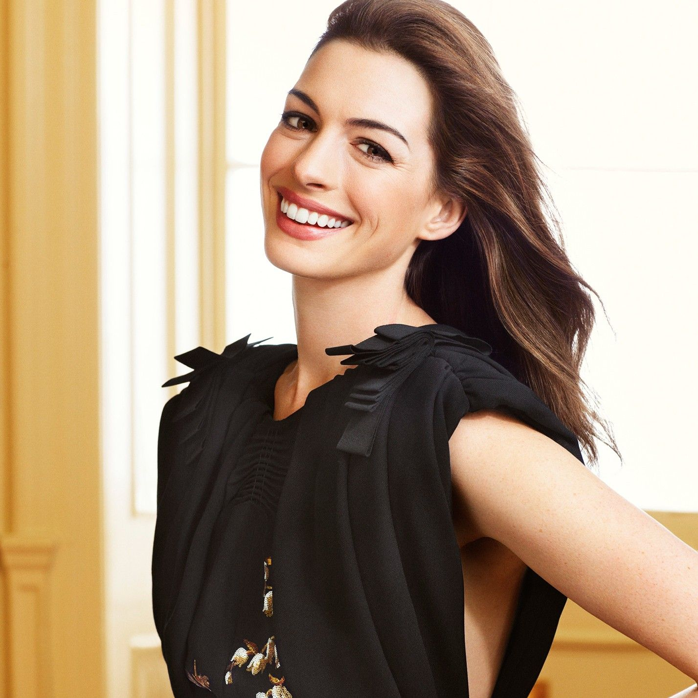 Anne Hathaway's Fifth Avenue Apartment Is For Sale—Take A