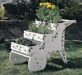 Lawn and Patio Planter Plans //www.vegetable-garden-guide.com ... Designing A Vegetable Garden Pots Html on