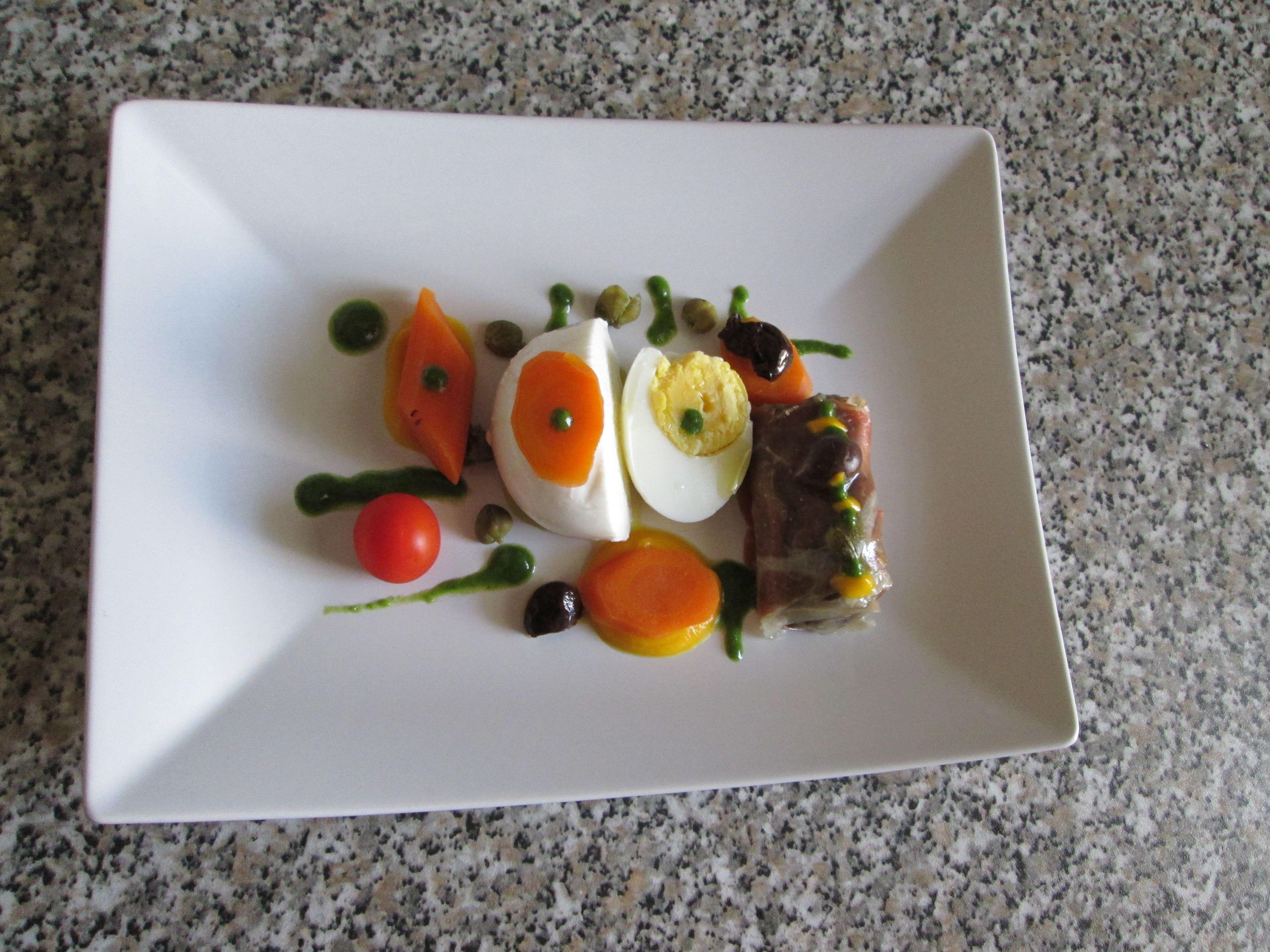 Mozzarella egg roll de jambon avec pommes de terre et les olives Gino D'Aquino