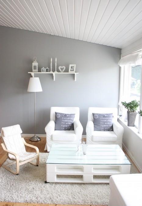 Palette et verre table basse  Blanc gris Cœur romantique cosy