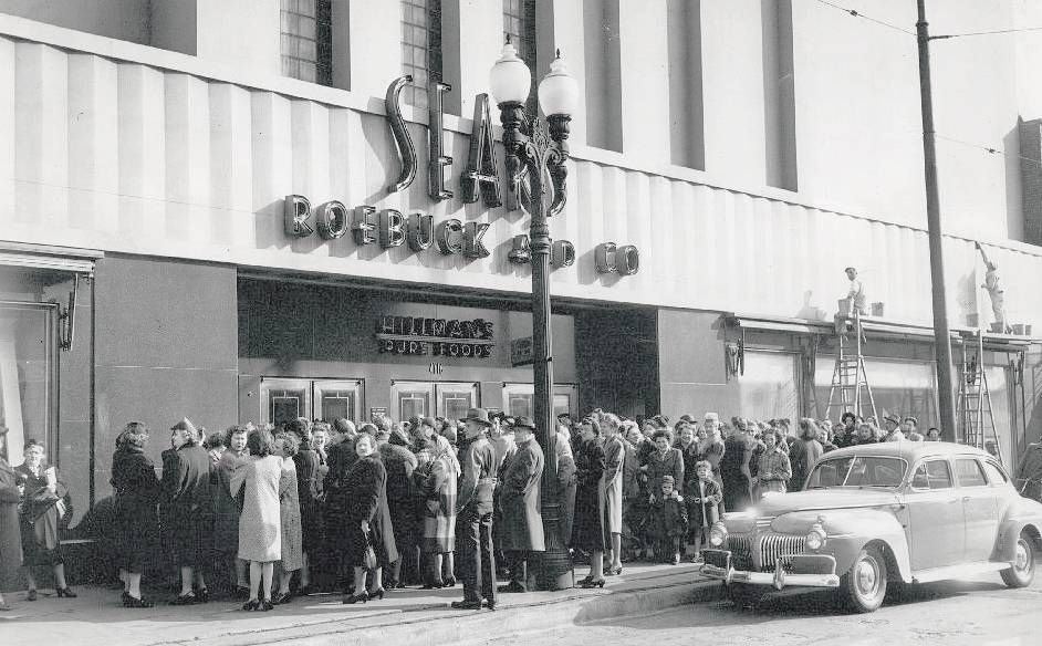 Photo chicago sears store irving park road and cicero line for Irving hotel chicago