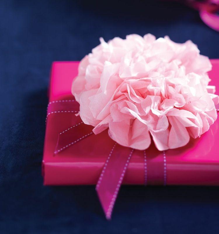 das muttertags geschenk k nnen sie mit einer pfingstrose aus papier dekorieren geschenke. Black Bedroom Furniture Sets. Home Design Ideas