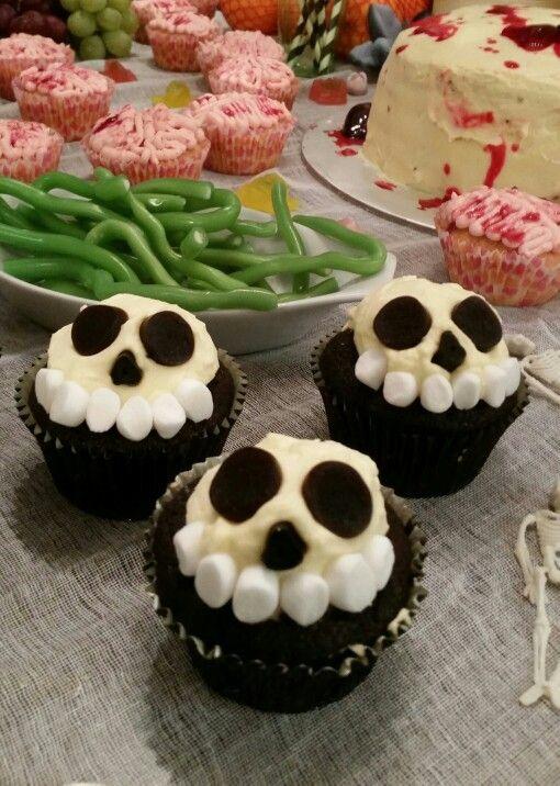 Skull cupcakes for Hallowe'en
